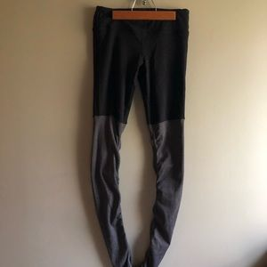ALO Goddess Leggings -black/grey